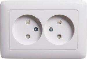 Фото Schneider Electric Хит RS16-230-B Розетка двойная (16 А, IP20, в сборе, скрытая установка, шторки, белая)